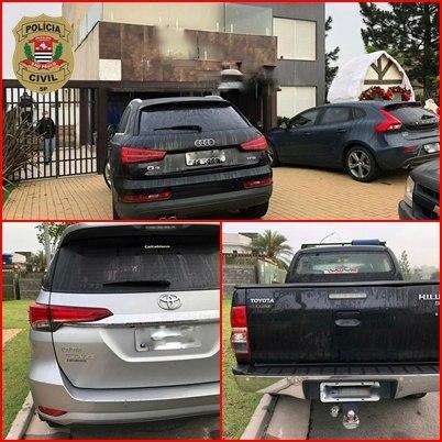 Carros de luxo foram apreendidos por policiais civis do Deic-SP
