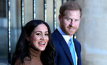 Em janeiro de 2020, o duque e a duquesa de Sussex anunciam a saída da família real e mudança para os Estados Unidos. No mês seguinte, Harry e Meghan deixam oficialmente a realeza