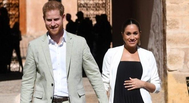 Meghan Markle deu à luz ao seu primeiro filho na manhã desta segunda-feira (6)