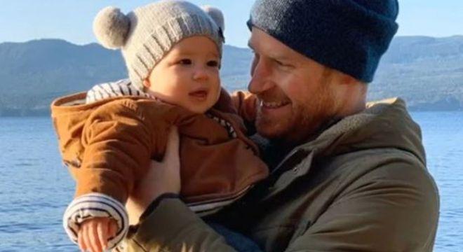 O príncipe Harry, duque de Sussex, e seu filho Archie