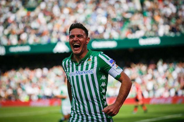 Meia: Joaquín - Idade: 40 anos - Clube Real Bétis