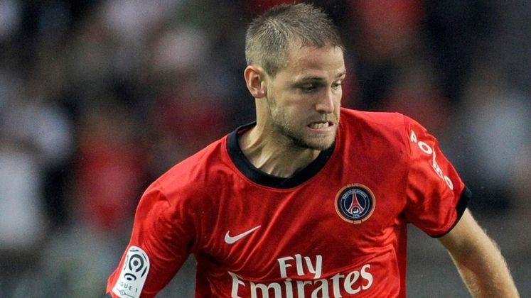 Meia: Mathieu Bodmer (francês) - 28 anos na época - camisa 12 - atualmente aposentado como jogador