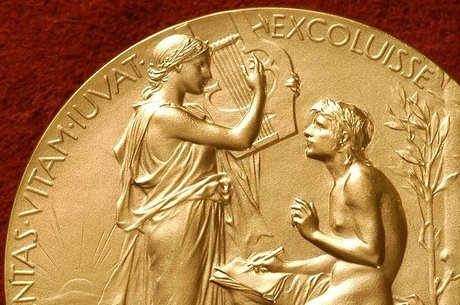 Em 1936, o vencedor não foi anunciado: o americano Eugene O'Neill, autor de Longa Jornada Noite Adentro, ganhou o Nobel no ano seguinte