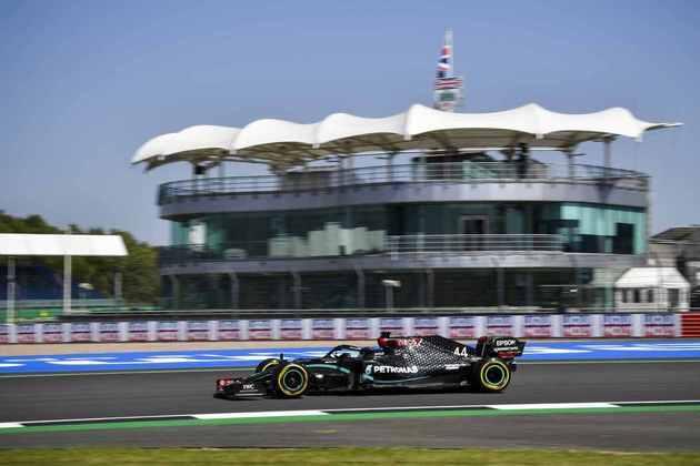 Melhor tempo do inglês, que já venceu o GP da Inglaterra seis vezes, foi 1min27s581