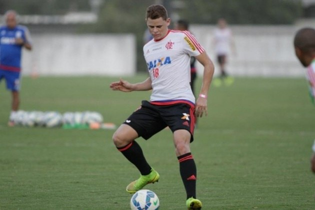 MELOU - A negociação envolvendo o Botafogo e Jonas melou por questões burocráticas e, consequentemente, o jogador de 29 anos não vestirá a camisa alvinegra nesta temporada. A informação foi dada pelo