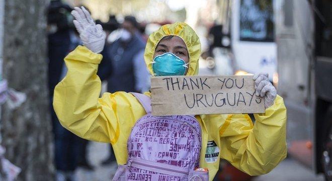 Uruguai permitiu que embarcação com contaminados por coronavírus, que foi rejeitada por outros países, ancorasse no país