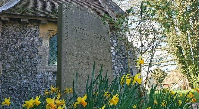 Um memorial para April foi construído em frente à igreja que ela frequentava