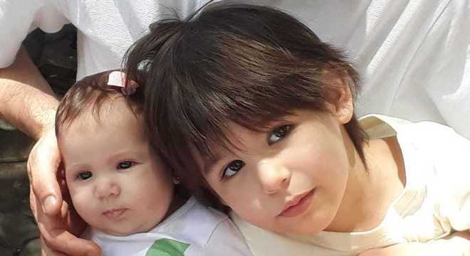 Constance e Tito, filhos de Rafael Nunes com Clarissa Couto