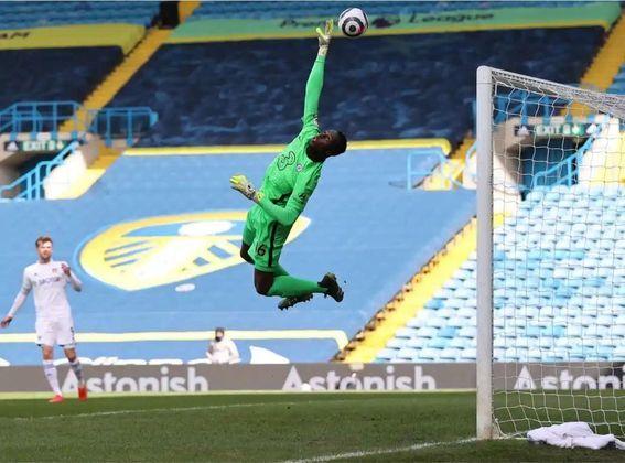 Edouard Mendy, goleiro francês do Chelsea, não sofreu gols diante o time do Porto, e foi escolhido como o melhor arqueiro da semana