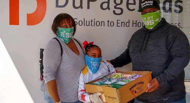 Os pais de Olivia hoje auxiliam a filha com as doações