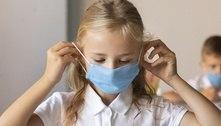Estudantes na França deverão usar máscaras cirúrgicas em sala de aula