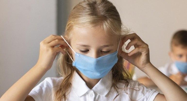 Governo exigirá máscaras cirúrgias do tipo 1, com filtragem superior a 90%