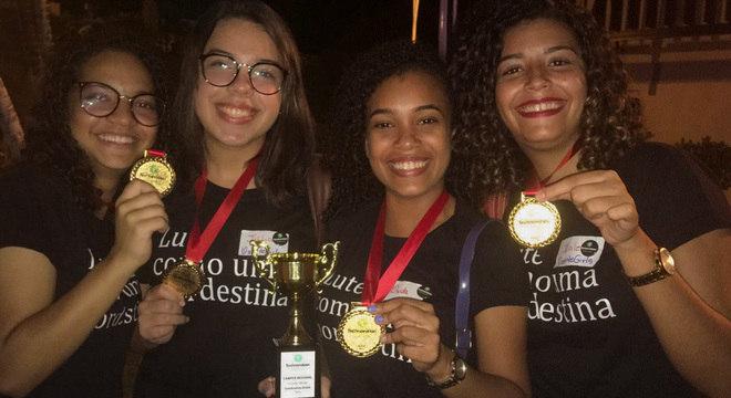 Meninas de escola técnica vencem desafio global de tecnologia