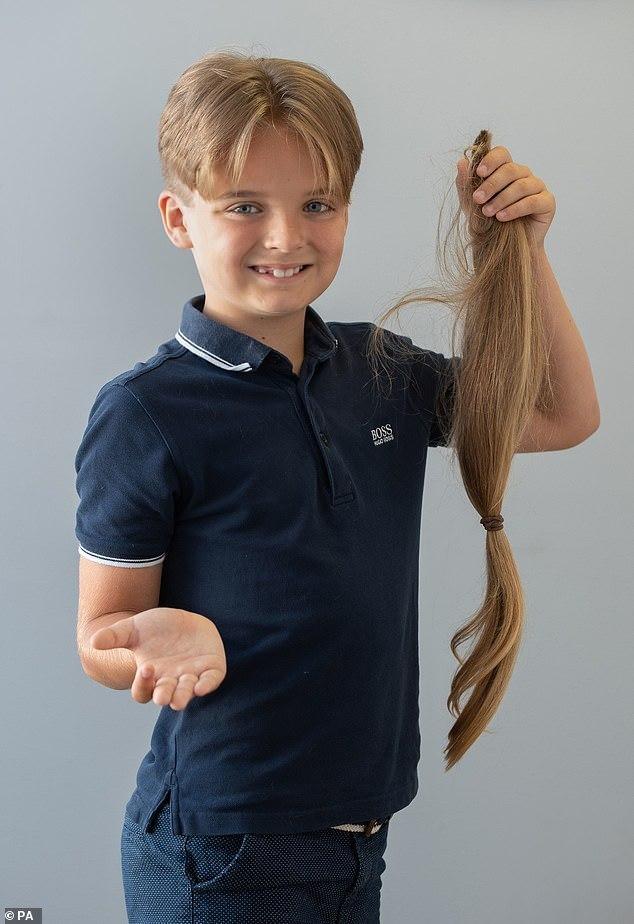 Reilly doou seus cabelos para fazer perucas para crianças com câncer