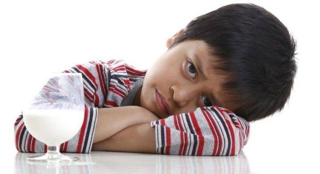 Alergia ao leite pode causar anafilaxia e pode levar à morte