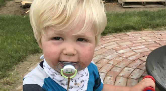 Menino de dois anos que ficou desaparecido durante 14 horas