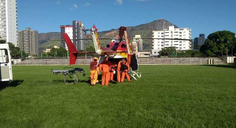Criança foi levada de helicóptero para hospital em Belo Horizonte