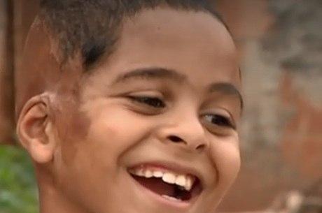 Sorriso de Fernando voltou, após início de tratamento