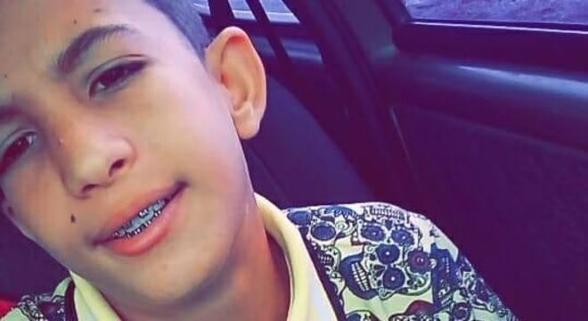 Murillo Henrique dos S. M., de 12 anos, morreu após uma trave cair em sua cabeça