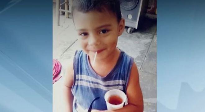 Polícia investiga suspeita de morte por espancamento do menino Pedro, de 3 anos