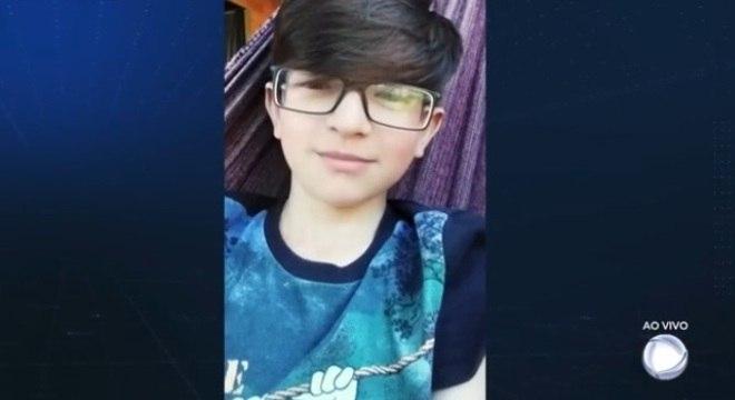 Corpo do menino Rafael foi encontrado perto da casa onde morava com a mãe