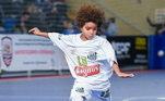 Na Vila Belmiro os raios não param. E a mais nova promessa do Santos tem, além de muito futebol, sangue de jogador correndo nas veias