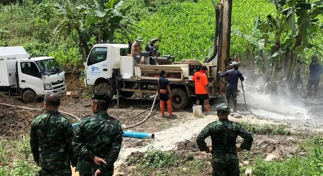 Brasileiro participou de plano para diminuir nível de água em Tham Luang