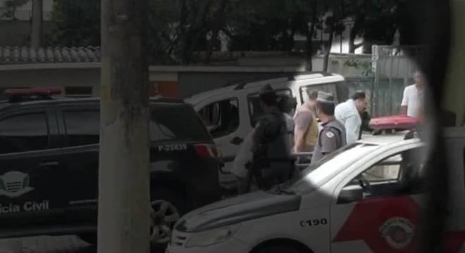 Terceiro suspeito de participação em massacre é levado ao Fórum de Suzano