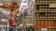 Intenção de consumo das famílias volta a cair em abril, mostra CNC
