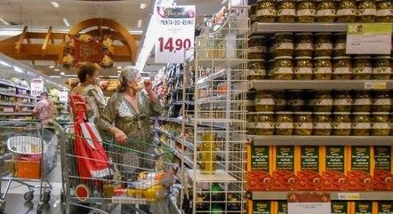 Consumidor tem menor da história para meses de abril