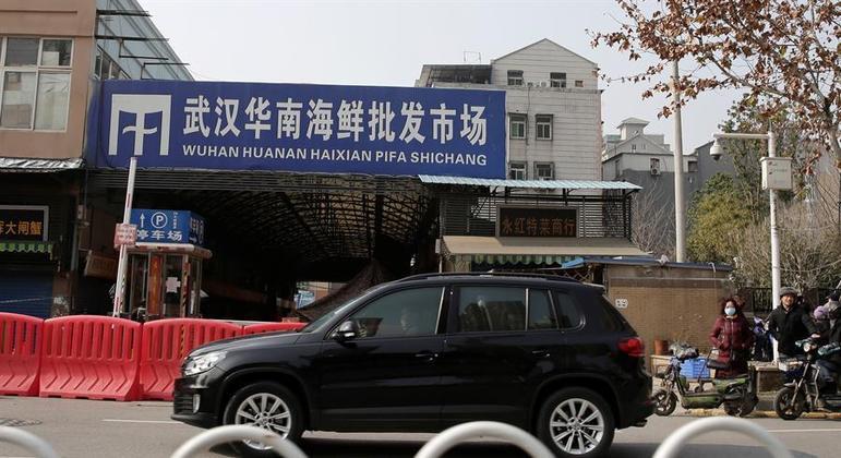 Mercado em Wuhan (China) onde teriam surgido os primeiros casos de covid-19
