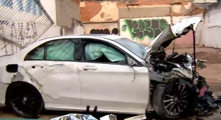 Motorista de carro de luxo morreu ao invadir garagem na zona norte de São Paulo