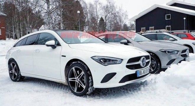 Carros em teste no norte da Suécia, terra da Volvo: novas versões híbridas do CLA a caminho