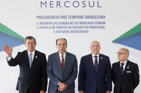 Blocos querem acordo de livre comércio