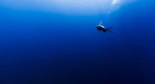 Cientistas dizem que a água do oceano deve ficar mais azul nas próximas décadas