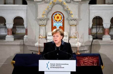Merkel se preocupa om o antissemitismo no país