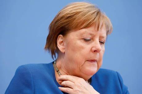 Primeiro teste de Merkel para covid-19 dá negativo