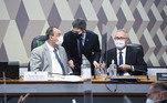 Mesa diretora da CPI com Omar Aziz, Randolfe Rodrigues e Renan Calheiros