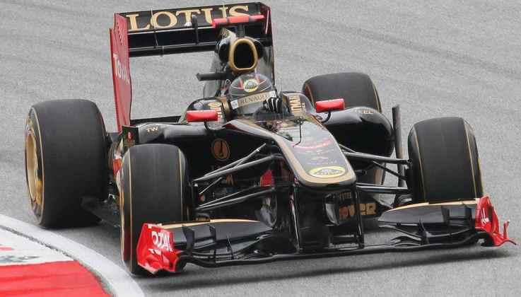 Mesmo com bom desempenho, Nick Heidfeld foi demitido da Lotus para a contratação de Bruno Senna.