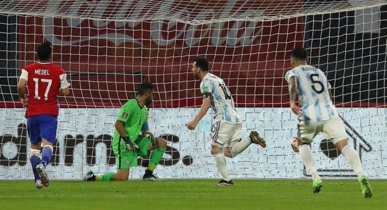 A ilusão do 1 X 0, Messi, de pênalti