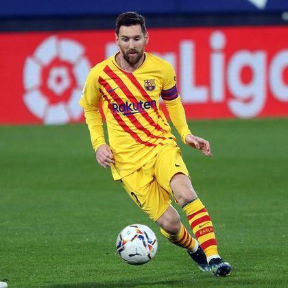 Lionel Messi, camisa 10 do Barça, é o medalhista de prata da lista, com 734 gols marcados. O gênio argentino é o maior artilheiro da La Liga com 467 gols em 513 partidas e também é disparado o maior do Barcelona, com 663 gols em 770 partidas