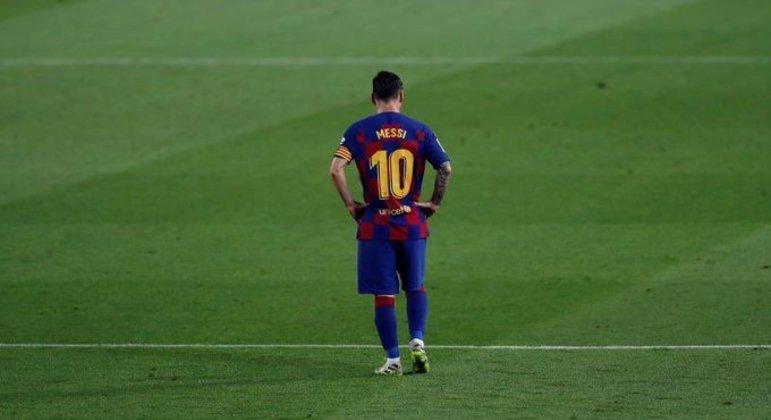 Messi. Goleada humilhante. Forte para estimular sua saída do Barcelona. E ir para o PSG