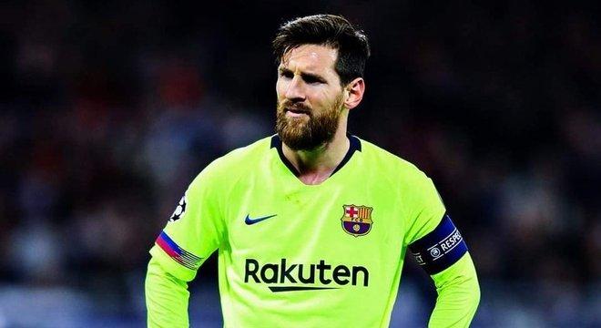 Messi, ao final do jogo, a insatisfação com o placar que se manteve