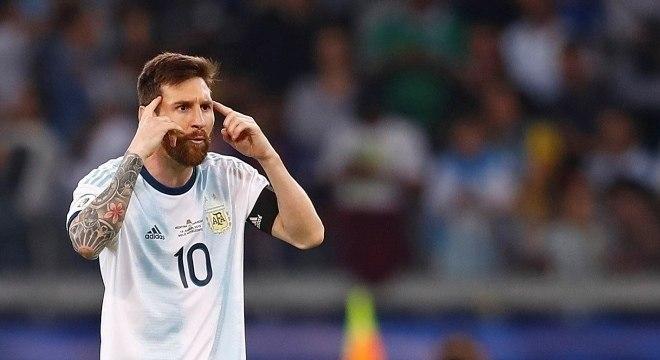 'Hoje não se ganha mais com a camisa', admitiu o craque argentino após empate