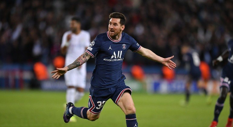 A alegria do gênio. O gol, na diagonal, que é sua marca registrada. Lembrete para o Barcelona
