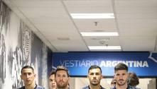 Argentinos vetados pela Anvisa chegam a estádio para pegar Brasil