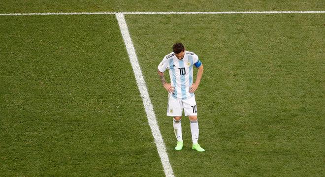 Messi foi craque que mais aproximou geração de novos argentinos de Maradona 51fab304e3996