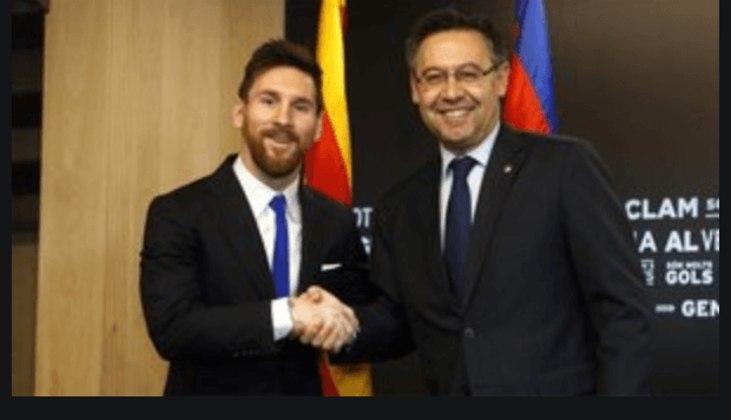 O presidente do Barcelona está sendo pressionado por membros da diretoria a mudar de estratégia e não deixar a situação com Messi virar guerra. Muitos no clube defendem que não adianta manter o craque contrariado ou deixá-lo ir embora sem que o clube ganhe nada por isso daqui a um ano