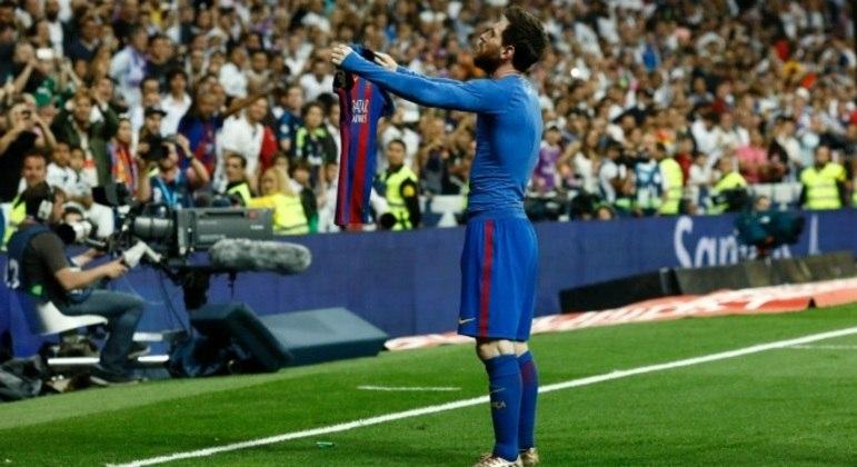 Messi protagonizou um dos momentos mais marcantes do clássico