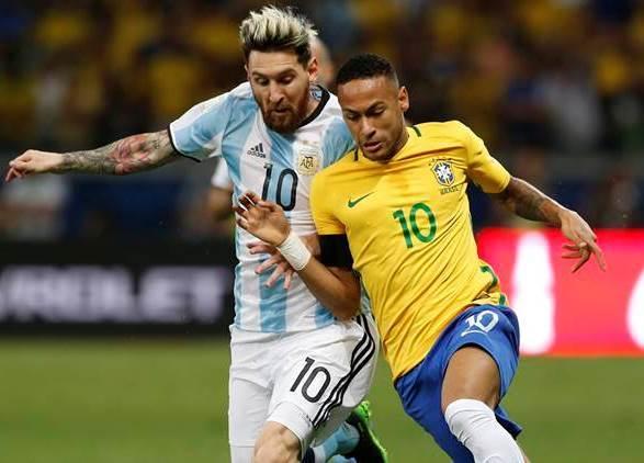 Esse duelo, entre Messi e Neymar, tem tudo para definir o vencedor hoje à noite